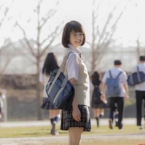 今田美桜、制服姿「恥ずかしい」