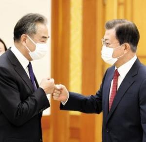 【中韓外相会談】中国・王毅外相「バ韓国はアメリカ寄りなのか? よく考えるアルよっ!!」