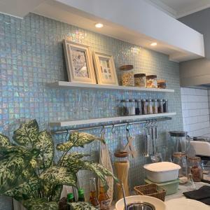 インターデコハウス 札幌モデルハウス「エクラ」で使われているキッチンタイルはグラスキャンディ!