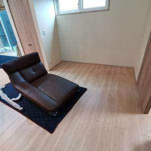 グランセゾンとカリモク家具