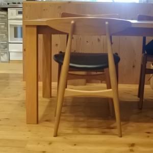ちょっとだけ模様替え、そしてお気に入りの椅子たち