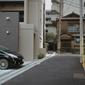 探偵が尾行相手として嫌う車はプリウス|では尾行用に使う車は?