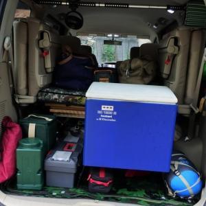 ミニバン&ワンボックスカーに効率良くキャンプ道具を積み込む工夫 -リアル通販 アウトドアグッズ積載編-