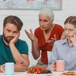 親と同居でセミリタイアは危険じゃない?