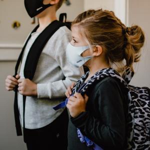 娘が濃厚接触者に!ロサンゼルスの小学校でのコロナ対策や対応