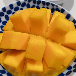 ●マンゴーにはフォークかスプーンか●
