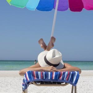 紫外線は肌トラブルの根本原因!正しい紫外線ケアを解説