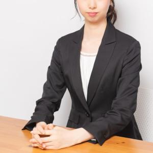 「仕事ができそう」な座り方で印象アップ!オンラインでも使える美姿勢は