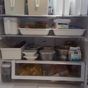 冷蔵庫のそうじです