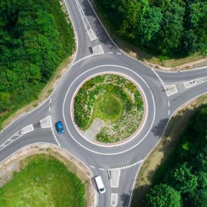 フランス 2種類の環状交差点