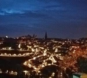 サン・イルデフォンソ教会から絶景、そして対岸からの夜景。