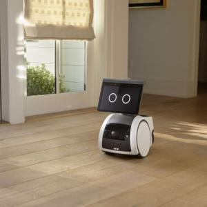 アマゾン 1,000ドルで音声操作可能なロボット「アストロ」を発売