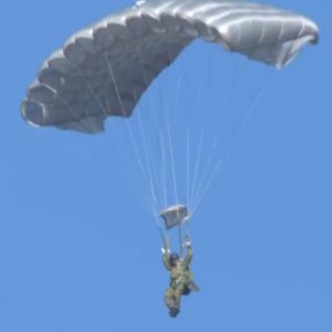 落下傘】 陸上自衛隊第1空挺団による降下訓練始め 画像多め