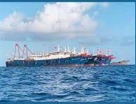 フィリピン海を蹂躙する中国船団や水陸機動団と比軍との演習画像