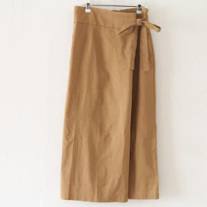 【しまむら】スタイルアップが叶う「ラップ風スカート」、細見えも脚長効果も♪