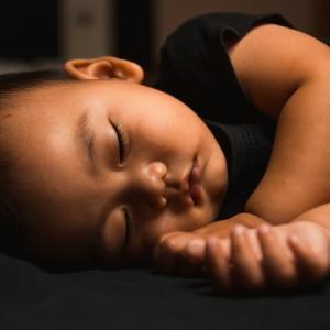子どもが夜中に起きてしまった時 ひどい睡眠問題が解決したアドバイス その7