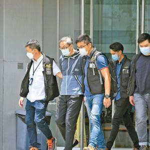 【香港最新情報】「『りんご日報』、幹部が国安法で逮捕」