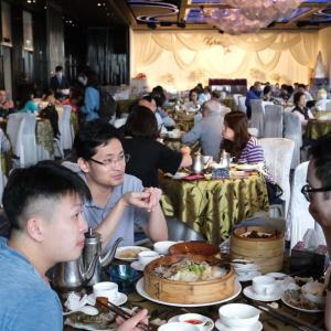 【香港最新情報】「D類飲食店、1卓12人までに緩和」