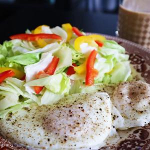 油を使わない目玉焼きでヘルシーに卵を食べよう*目玉蒸しのレシピ