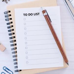 休日にToDoリストを書き出すけれどもうまくいかない問題!不合理バイアス?