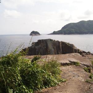 楯ヶ崎と海を眺める