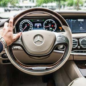 【FCV(水素自動車)とEV(電気自動車)】エコカーの普及と課題