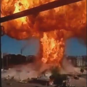 【海外ニュース】ロシアでガソリンスタンドが爆発。6人が負傷。動画が公開される。