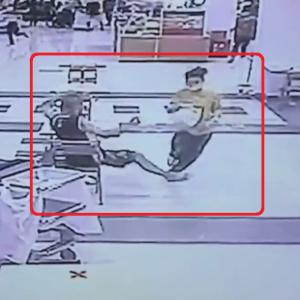 【動画ニュース】お手柄!貴金属店に強盗。付近にいた人の気転により取り押さえられる。