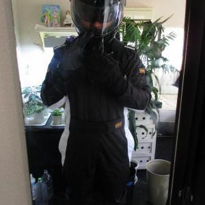 ゲーム「GRAN TURISMO SPORT_真夏にレーシングスーツを着てカタロニアを走ってみた」