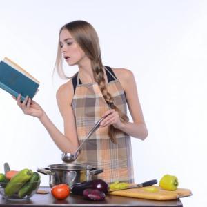 【オススメ】男性の料理初心者が読んでおきたい、オススメ本4選。簡単~モテる料理まで