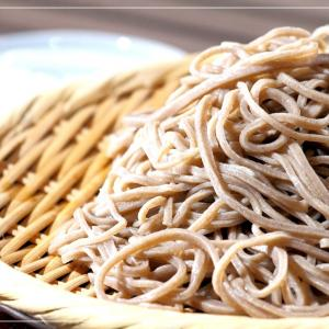 """""""Toshikoshi-soba,"""" a culture of eating soba at the end of the year."""