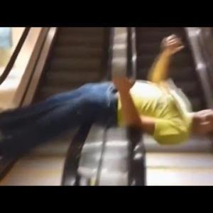 面白動画:エスカレーターで遊んでいたオジサンがエスカレーターをぶっ壊して逃げる