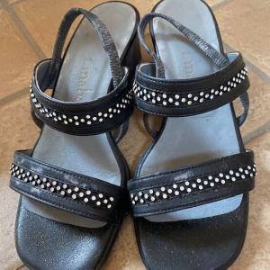t.inabaの靴が大人の可愛さを演出する