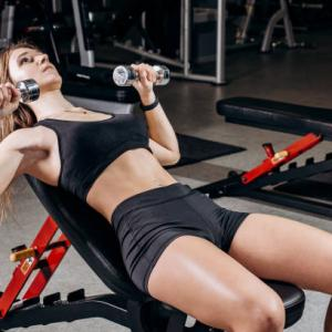 女性でもできるダンベル使用した大胸筋の筋トレメニュー5選
