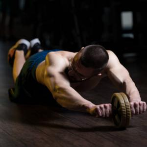 腹筋ローラー1セットの回数を増やす2つのコツを解説