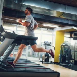 有酸素運動は20分以上が効果的 脂肪燃焼する時間帯の目安とは?