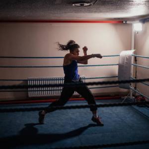 シャドーボクシングの5つの効果と脂肪燃焼に効果的なメニュー公開
