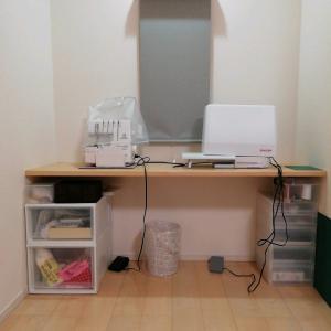 ミシンコーナーと手芸道具の収納