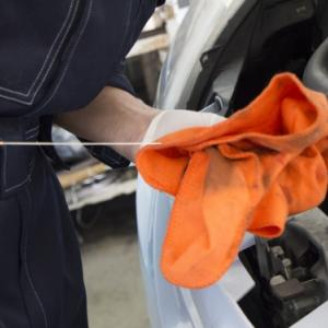 セルフのガソリンスタンドでエンジンオイルは交換してもらえるの?費用は?