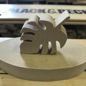 【簡単木工品】メッセージ立てとペーパーウェイトを自作。簡単でも木だと良いね。