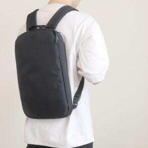 【ユニクロ】薄すぎて必要最低限の荷物しか入らない。3WAYスマートバッグをレビュー