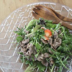 簡単!美味!牛肉のタイ風サラダはパクチーとライムを
