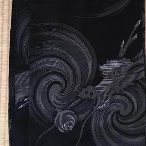龍の着物に小穴発見‼️☆補修してみました〜。