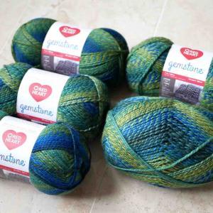 Red Heart Gemstone Yarn、Emerald 買いました