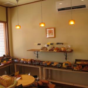 【西浦和】素朴なパン屋の「ヴィヴィオランジェ(vivi Oranrege)」が閉店