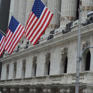 eMAXIS Slim米国株式(S&P500)の積み立て始めました