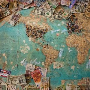 世界の一般消費財に投資ができる『【RXI】iシェアーズ グローバル一般消費財 ETF』について解説