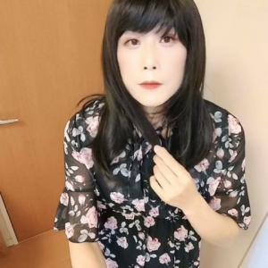 【動画】ちょっぴりセクシーな黒のワンピースの続き