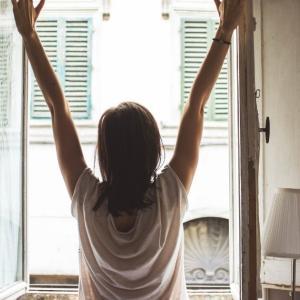 【朝6時起きを習慣化】朝活のメリットについて徹底解説