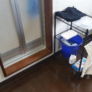 ニトリのスチールラックで、浴室前を快適にスッキリと収納させる!